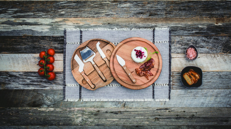 Circo- Acacia Cheese Board Set | Corporate Gifts NZ | Withers & Co