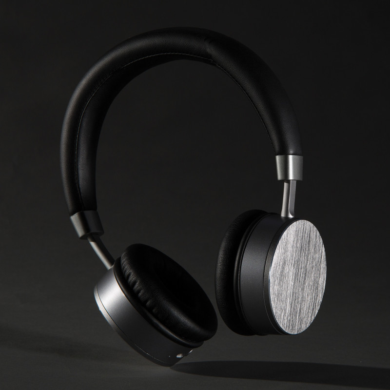 Swiss Peak Headphones | Withers and co | Corporate Gifts NZ